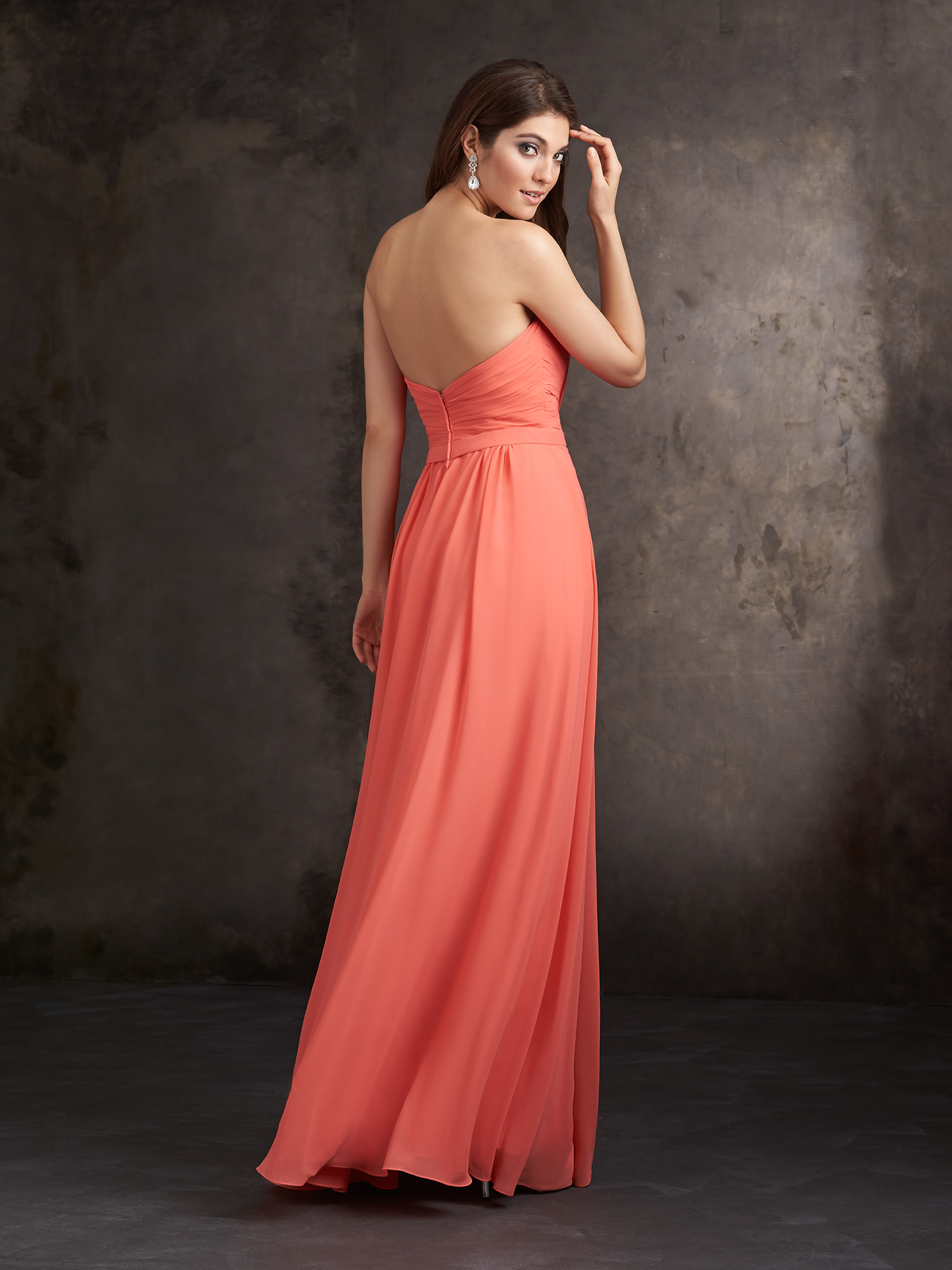 Simple Strapless Sweetheart Pleated Long Chiffon Bridesmaid Dress with Ribbon _1