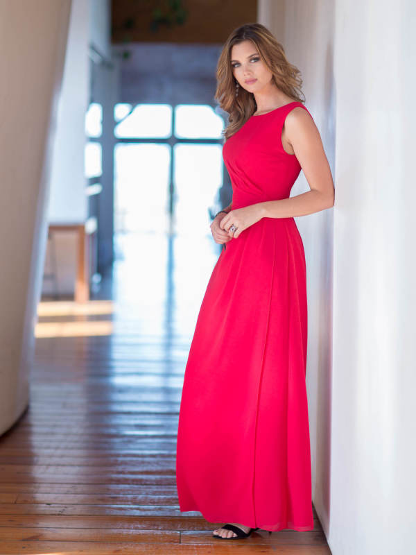 Red Bateau Neck Long Chiffon keyhole Back Bridesmaidd Dress