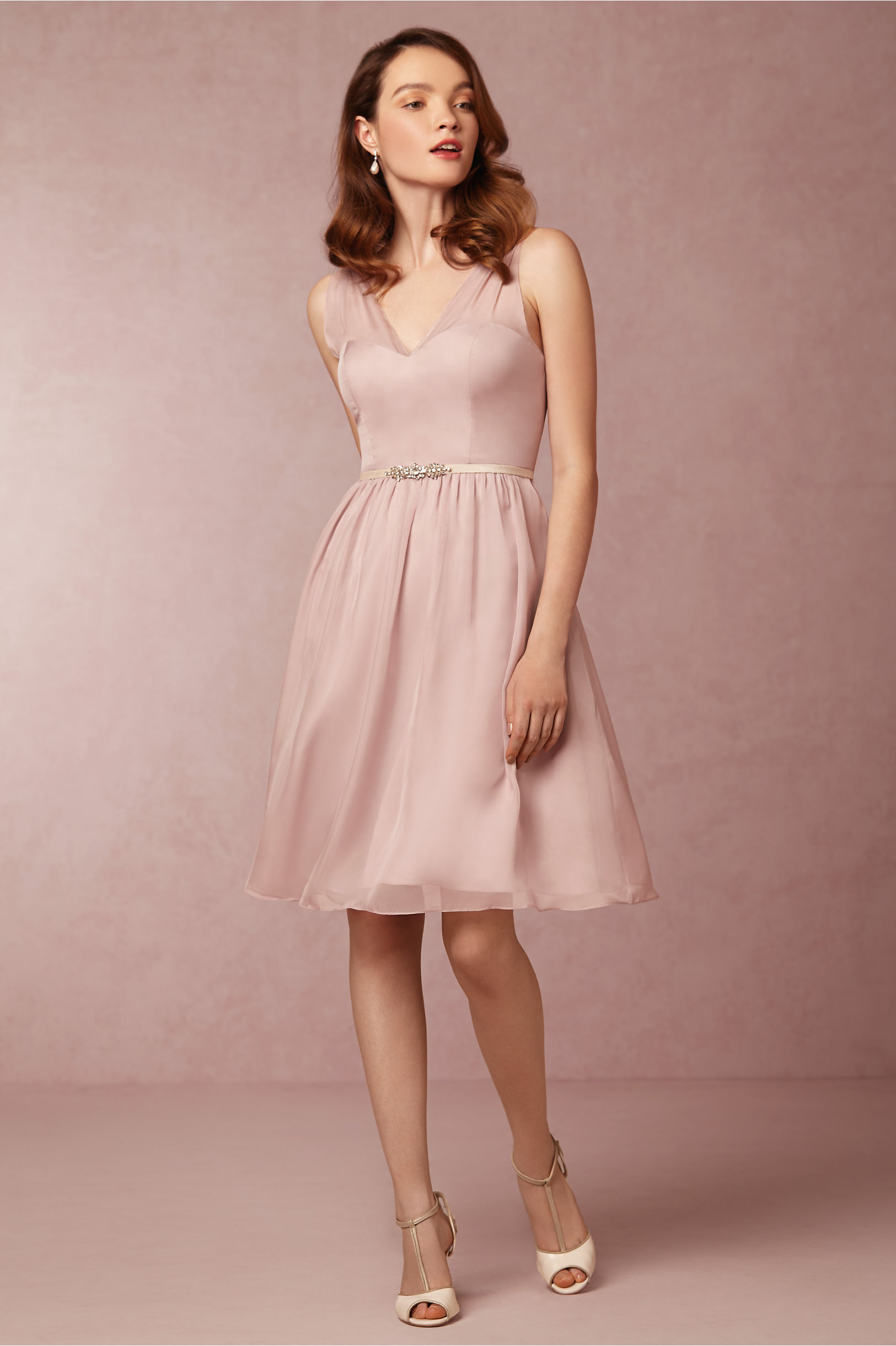 Sleeveless Dusty Pink  Chiffon Knee Length Bridesmaid Dress with Crystal Ribon _1