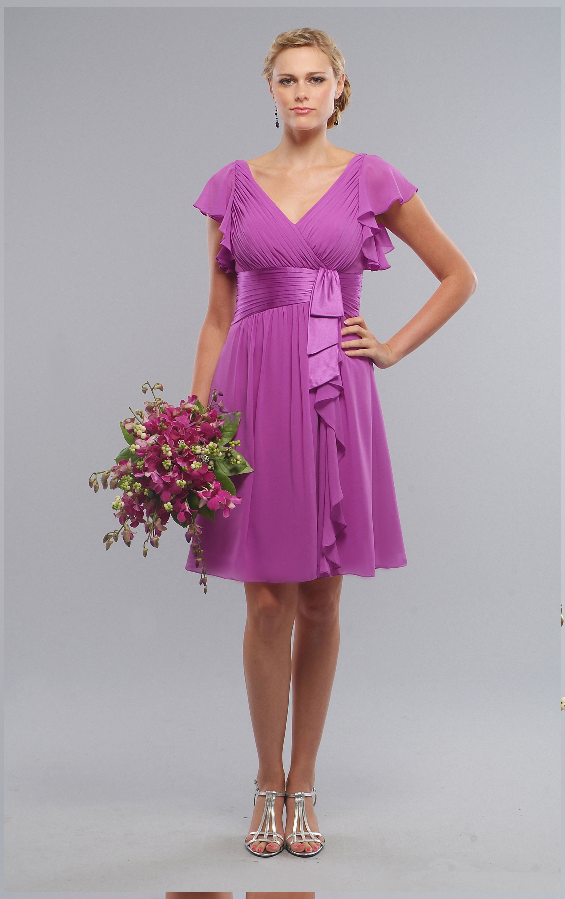 Knee-length Chiffon V-neck Empire Short Sleeves Bridesmaid Dresses