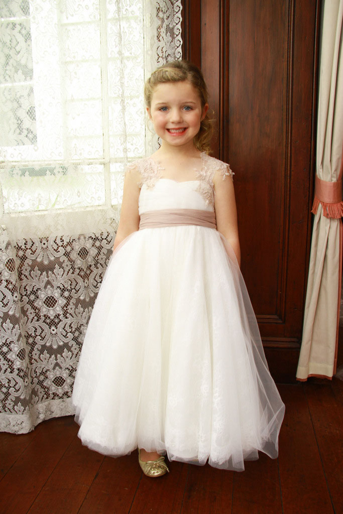 Shoulder Straps A-line Tulle overlay Lace Flower Girl Dress with Sash
