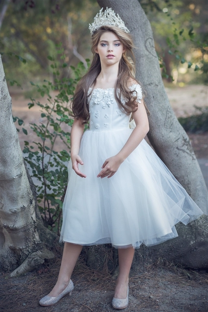 Charming Flowers Trimmed Short Sleeved Ball Gown Tea Length Tulle Flower Girl Dress with Bow Back