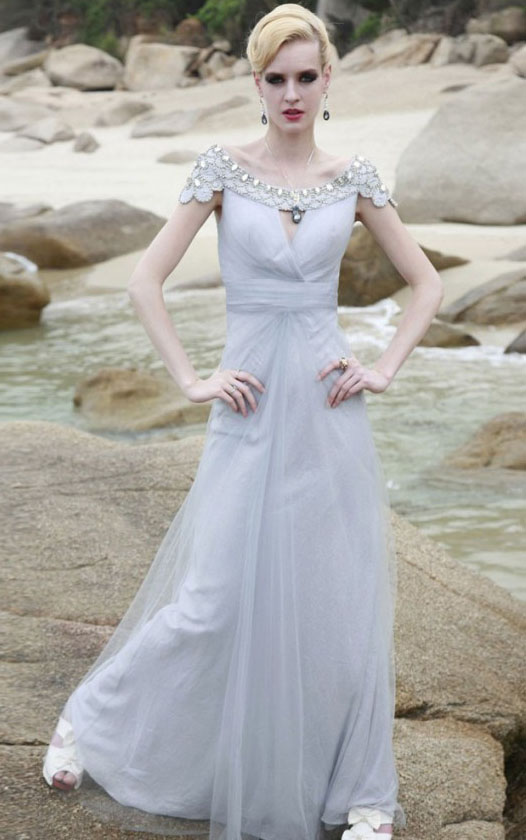 Modern Scoop Neck Crystal Detailling Long A-line White Chiffon Prom Dress