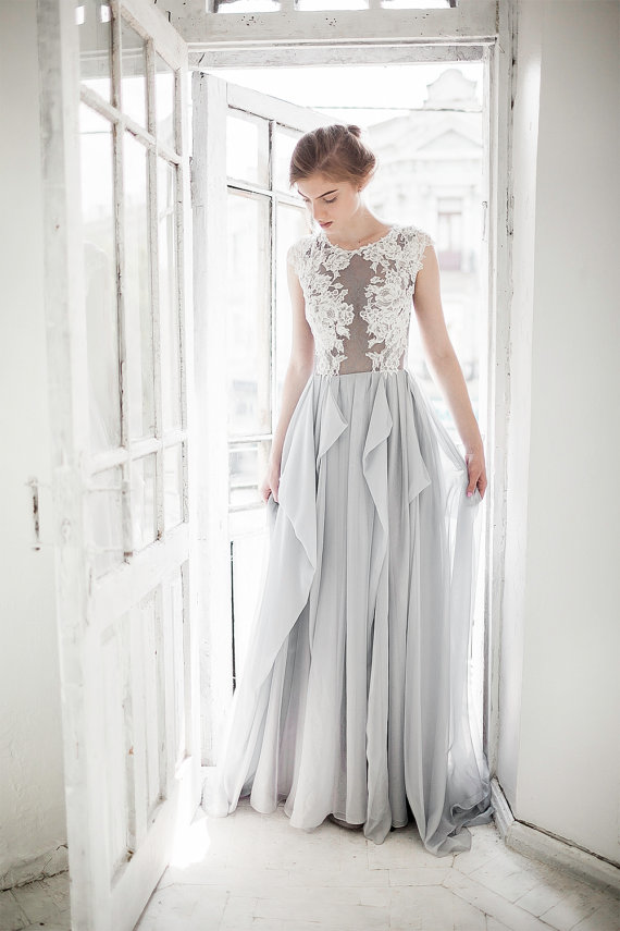 Illusion Jewel Neck Cap Sleeved Long Cascaded Grey Chiffon Prom Dress with Exquisite Lace