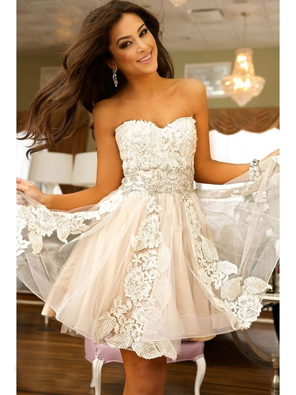 Strapless Sweetheart Floral Lace Bodice A-line Champagne Tulle Prom Dress with Crystal Belt