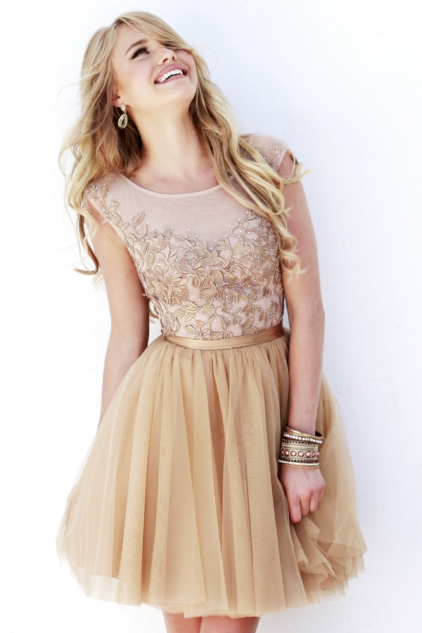 http://www.aislestyle.co.uk/short-sheer-nude-floral-lace-cap-sleeved-tulle-prom-dress--p-6638.html