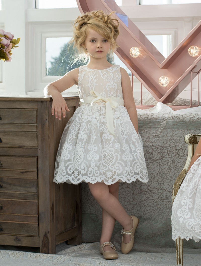 Vintage Sleeveless A-line Knee Length Lace Flower Girl Dress with Bow