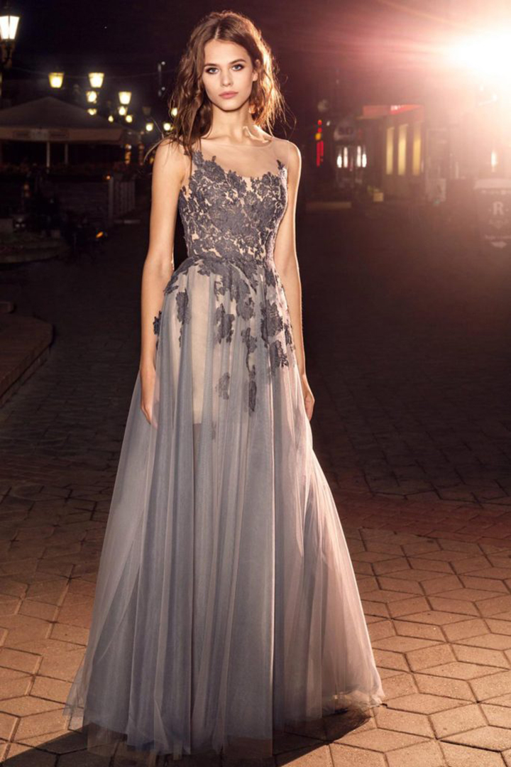 A-line Bateau Neckline Sleeveless Lace Appliques Floor-length Long Tulle Prom Dresses