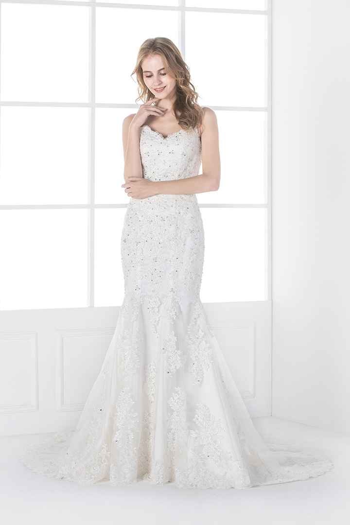 Charming Trumpet/Mermaid Sweetheart Crystal Detailing Sweep/Brush Train Lace Wedding Dresses
