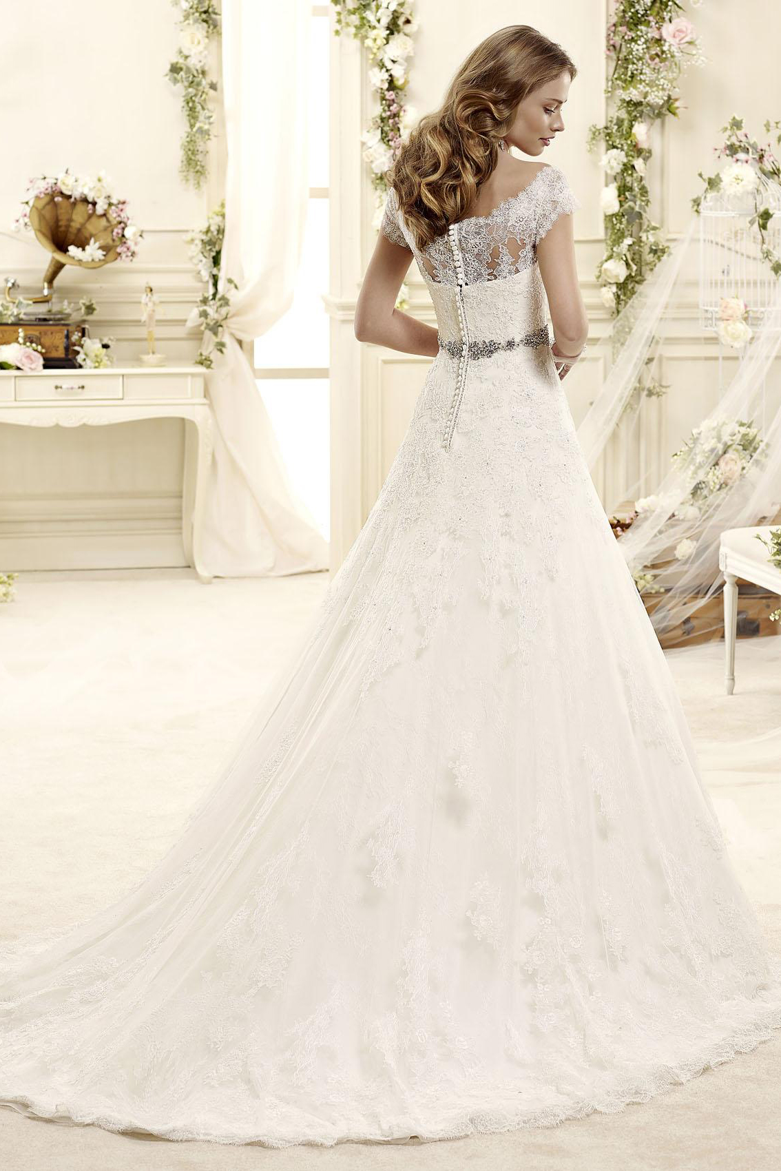 Exquisite A-line Off-the-shoulder Beading&Crystal&Sequins Lace Sweep/Brush Train Tulle Wedding Dresses