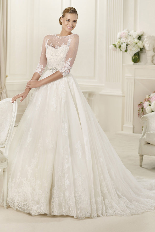 Scoop Neck Floral Lace Trimmed Tulle overlay Satin A-line Wedding Dress
