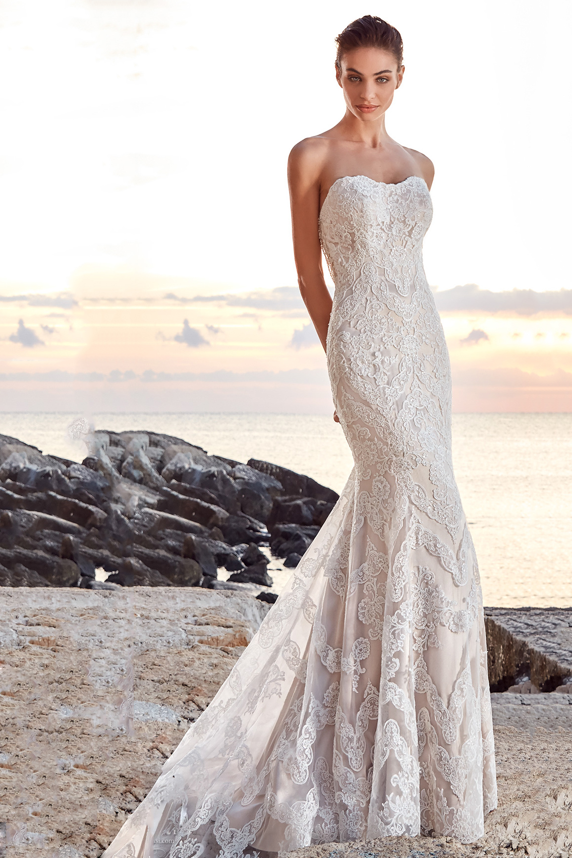 Luxury Beaded Lace Mermaid Long White Bridal Dress Beach Wedding