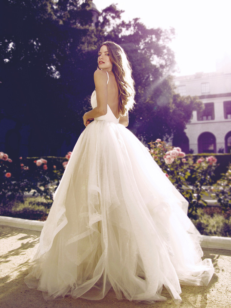 Beach Style Backless ball Gown Cascading Ruffles Tulle Wedding Dress with Sash