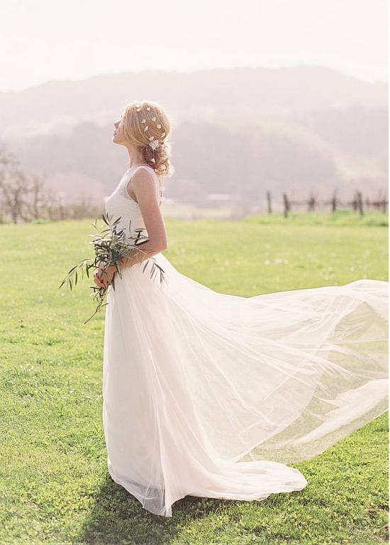 Simple Rustic Lace A-line Tulle Wedding Dress