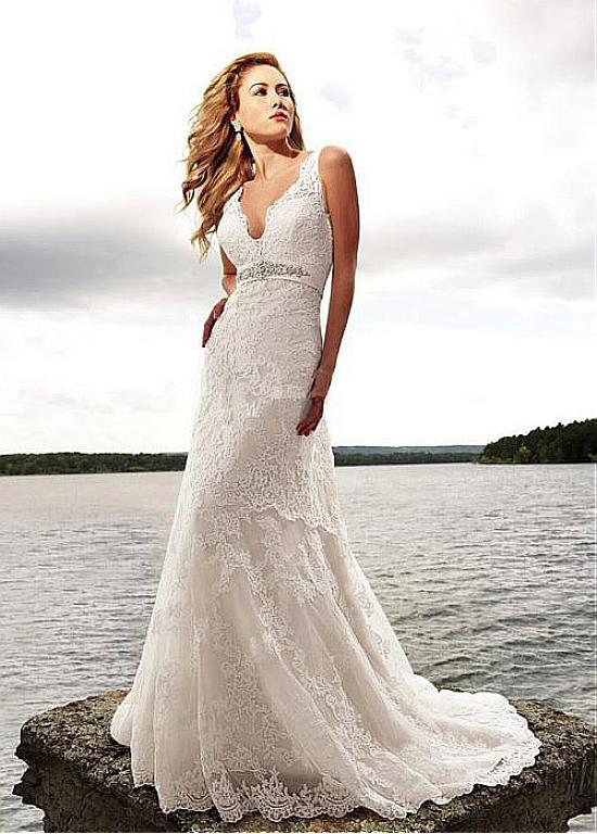 Lace Sleeveless A-line Empire Beach Wedding Dress with Beading