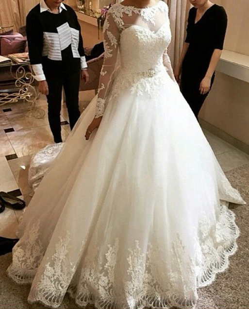 Modest Long Sleeve Ball Gown Lace Tulle Wedding Dress With Crystal