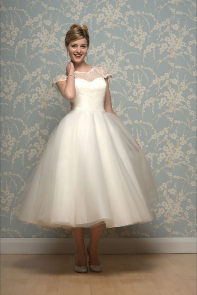 1950s Jewel Neck Short Sleeve Lace Tea Length A-line Tulle Wedding Dress