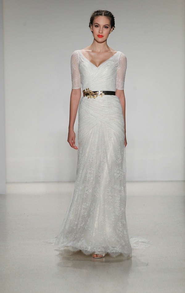 Sexy V Neck Half Sleeved Lace Shetah Wedding Dress With Metal Band