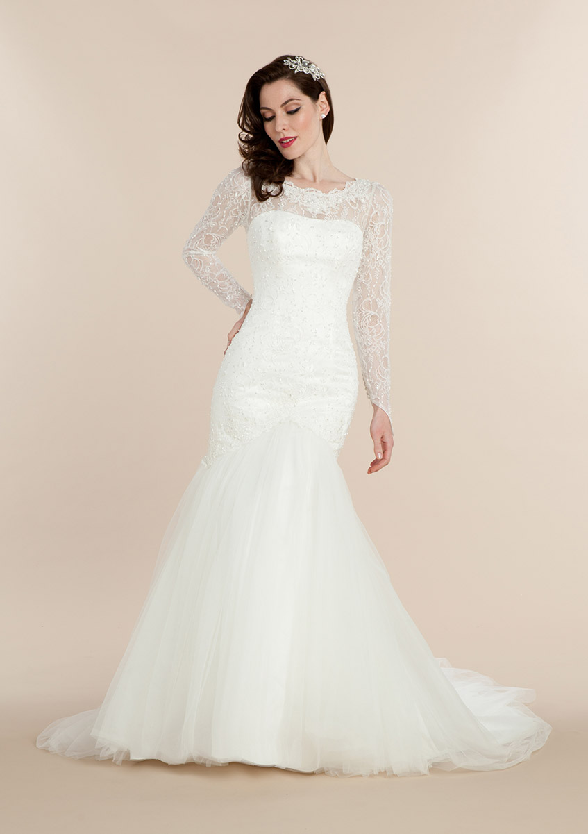 Illusion Neck Lace Pattern Fit Flared Wedding Dress with Long Sleeves