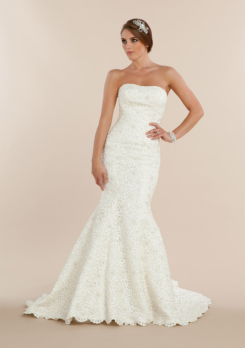 Exquisite Strapless Trumpet Lace Pattern Wedding Dress