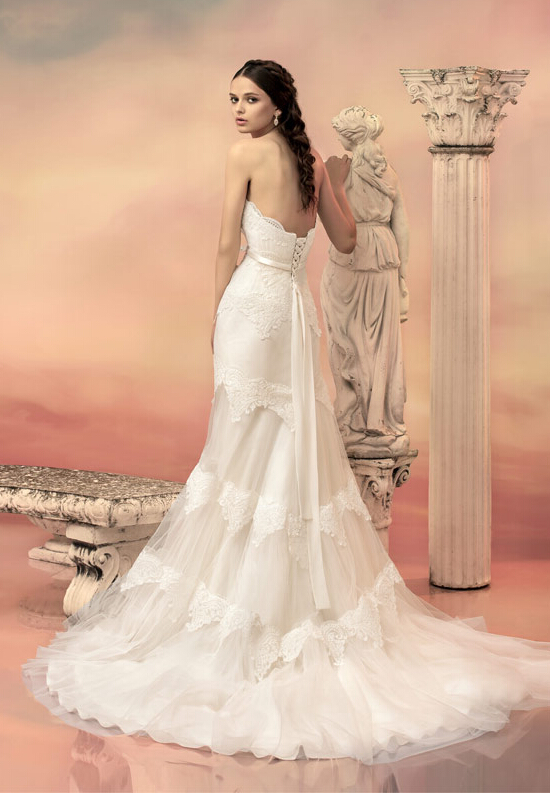 Strapless Sweetheart Lace Bodice A-line Lace Trimmed Tulle Wedding Dress