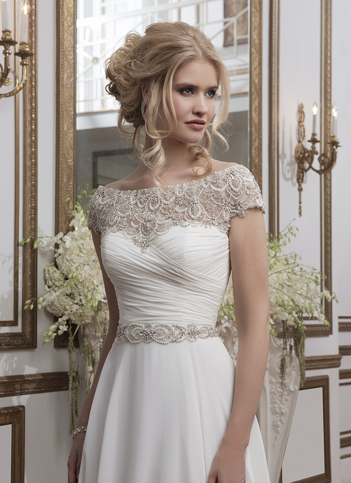 Hot Sale Bateau Neck Lace Top A-line Chiffon Crystal Waist Wedding Dress with Short Sleeves _3
