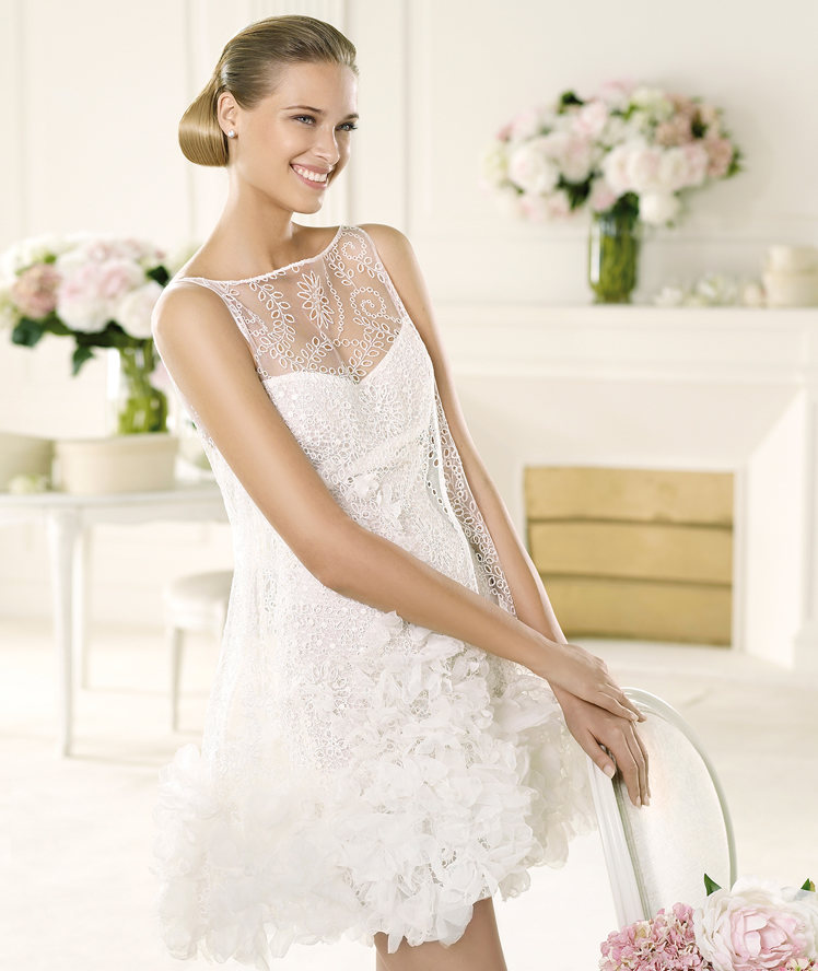 Modern Bateau Neck Lace Trimmed Ruffled Organza Short Wedding Dress