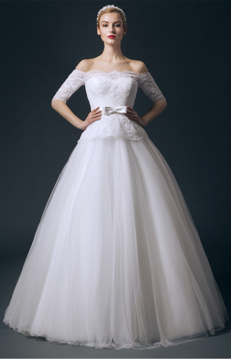 Peplum Off the Shoulder Lace Bodice Half Sleeved Ball Gown Tulle Wedding Dress with Ribbon