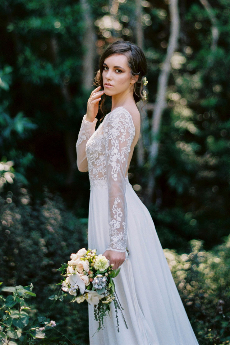 Backless V Neck Lace Bodice A-line Chiffon Wedding Dress with Long Sleeves