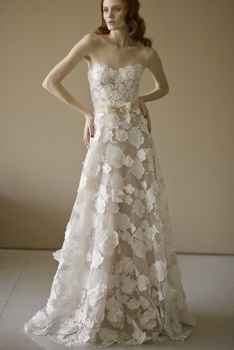 Strapless A-line Lace Appliques overlay Organza Wedding Dress with Ribbon