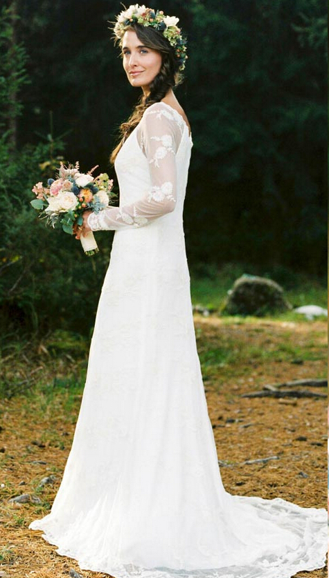 Scoop Neck Lace Appliques Long Slim A-line Lace Wedding Dress with Long Sleeves