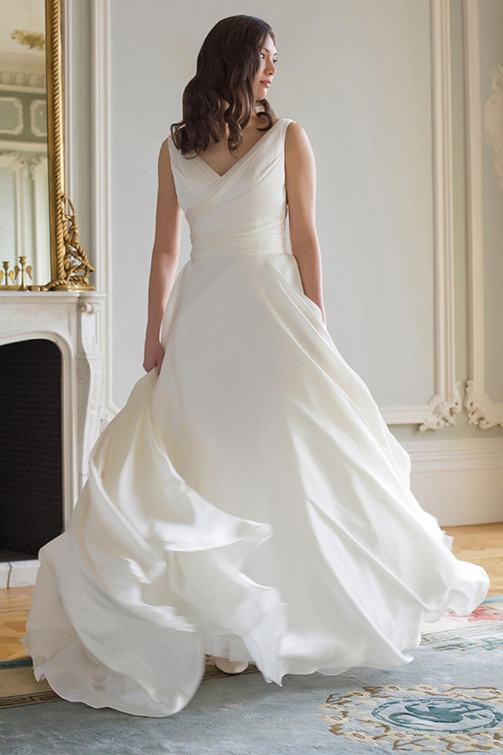 Simple V-neck A-line Pleated Chiffon Long Wedding Dress