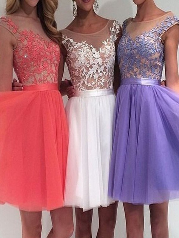 Floral Lace Cap Sleeved Short Tulle Prom Dress