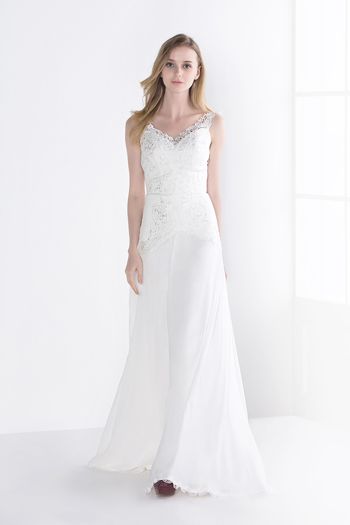 Vintage Inspired A-line V-neck Sleeveless Lace Sweep/Brush Train Wedding Dresses