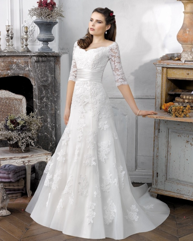 Exquisite A-line Off-the-shoulder Half Sleeve Lace Sweep/Brush Train Organza Wedding Dresses