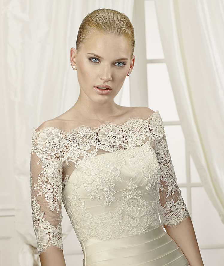 Exquisite Off-the-shoulder Half Sleeve Lace Tulle Wedding Jackets