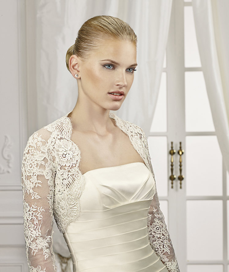 Exquisite Long Sleeve Lace Tulle Wedding Jackets