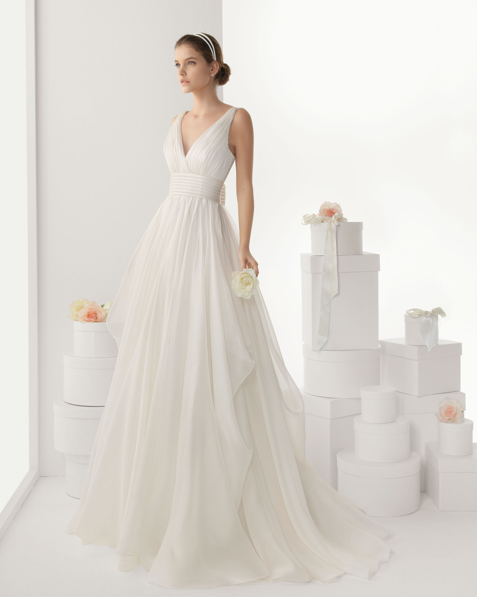 Elegant A-line Spaghetti Straps V-neck Beading Sweep/Brush Train Chiffon Wedding Dresses