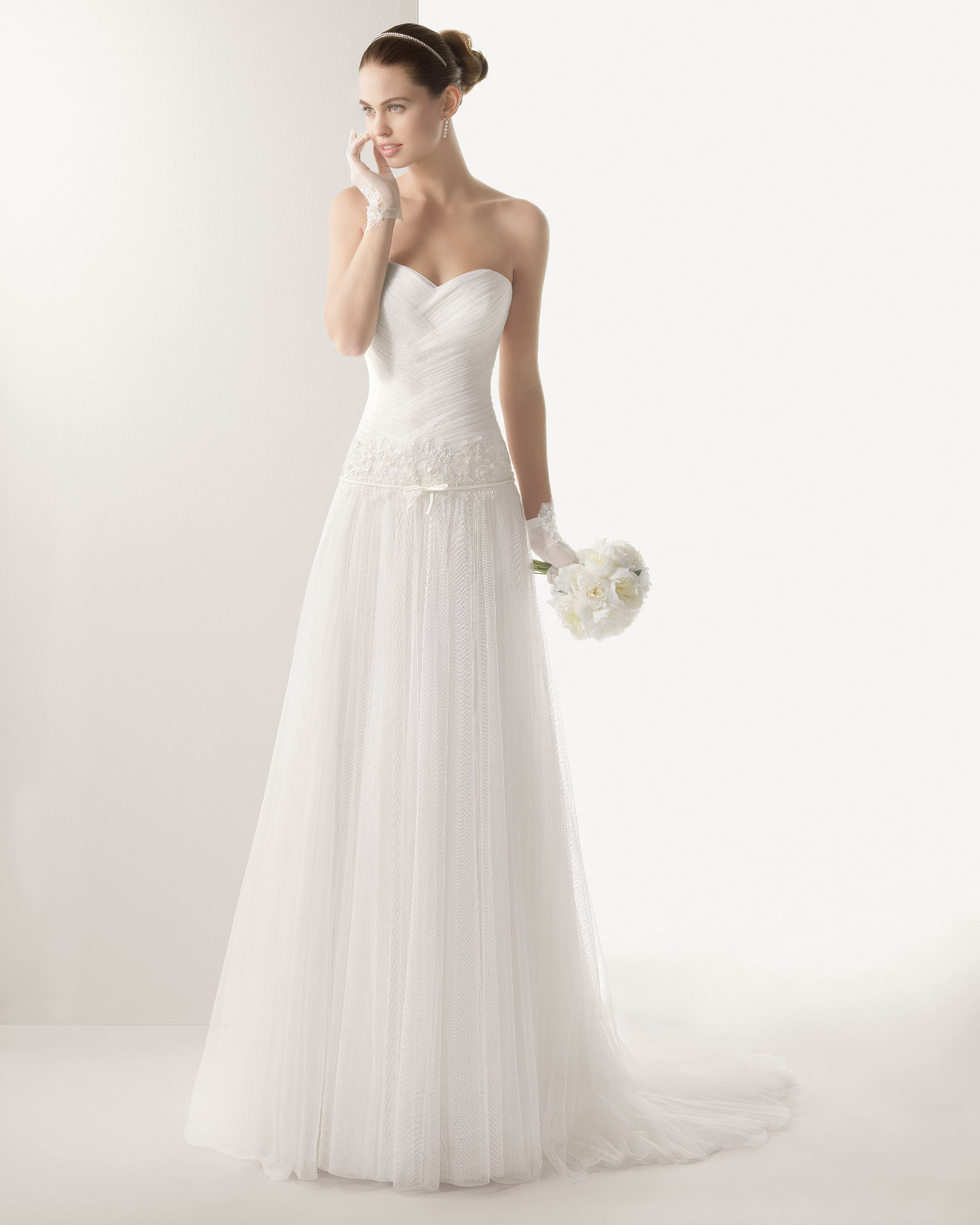 Nectarean A-line Sweetheart Lace Sequins Sweep/Brush Train Tulle Wedding Dresses