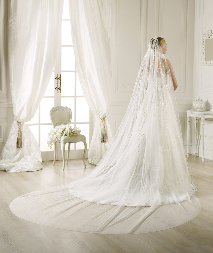 Charming One Tier Tulle Wedding Veils