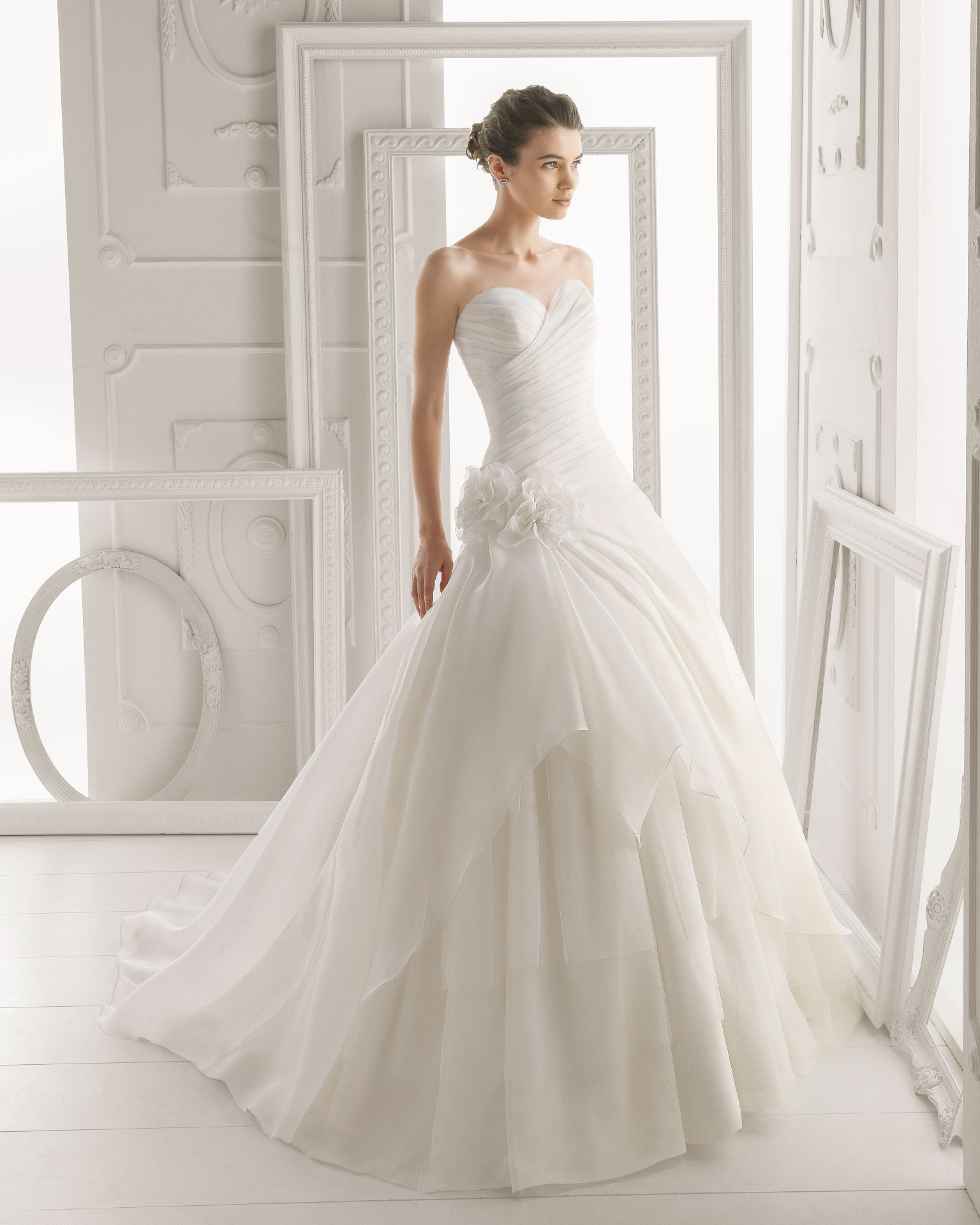Simple A-line Sweetheart Ruching Hand Made Flowers Sweep/Brush Train Organza Wedding Dresses