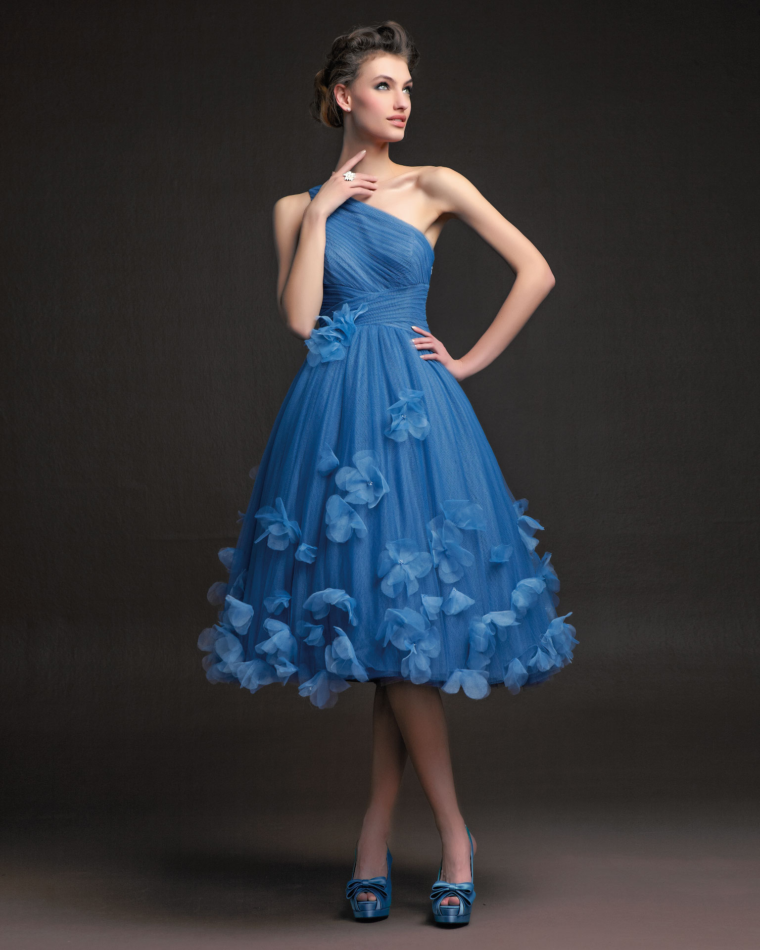 Simple A-line One Shoulder Ruching Hand Made Flowers Knee-length Tulle Cocktail Dress