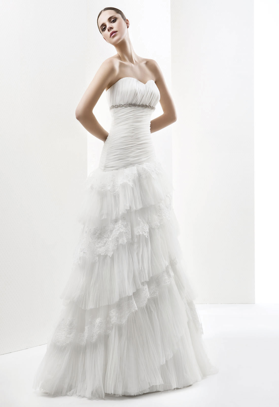 Simple A-line Sweetheart Beading Lace Ruching Sweep/Brush Train Tulle Wedding Dresses