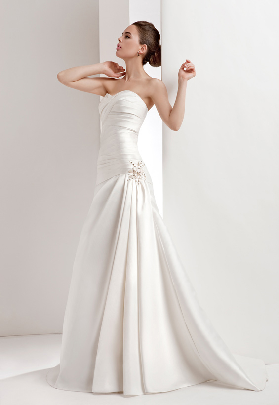 Simple A-line Sweetheart Beading Ruching Sweep/Brush Train Satin Wedding Dresses
