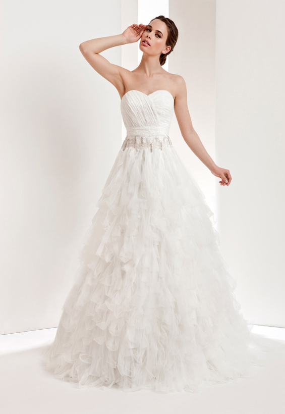 Elegant A-line Sweetheart Beading Cascading Ruffles Lace Sweep/Brush Train Tulle Wedding Dresses