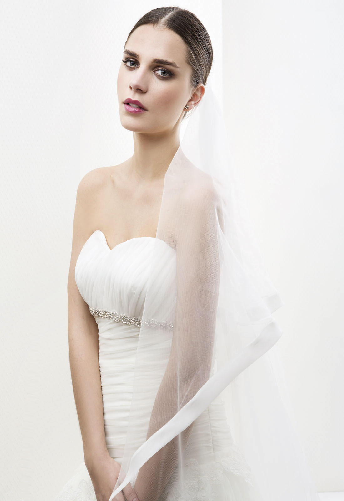 Simple One Tier Tulle Long Wedding Veils