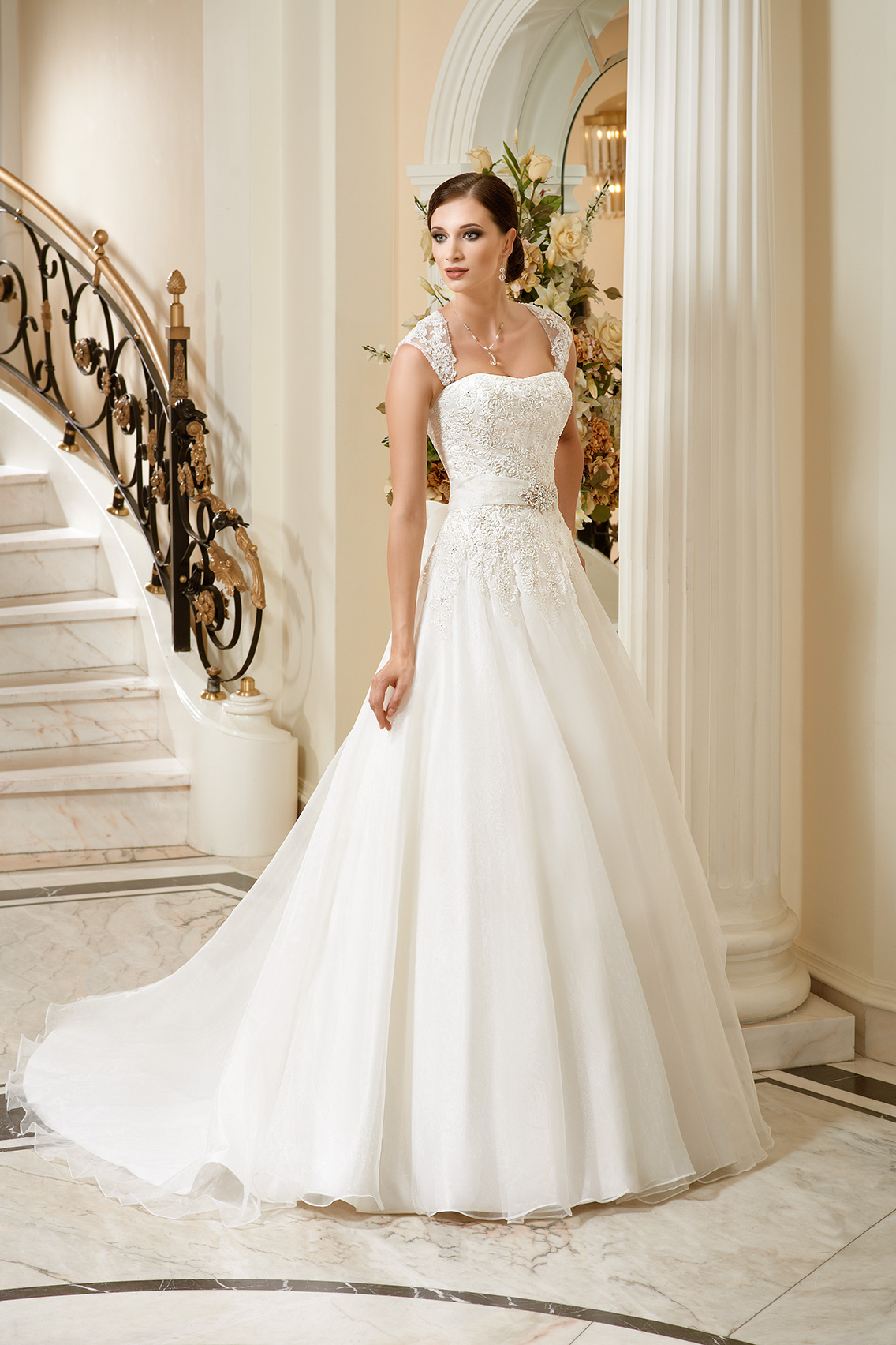 Charming A-line Straps Beading&Sequins Lace Sweep/Brush Train Organza Wedding Dresses