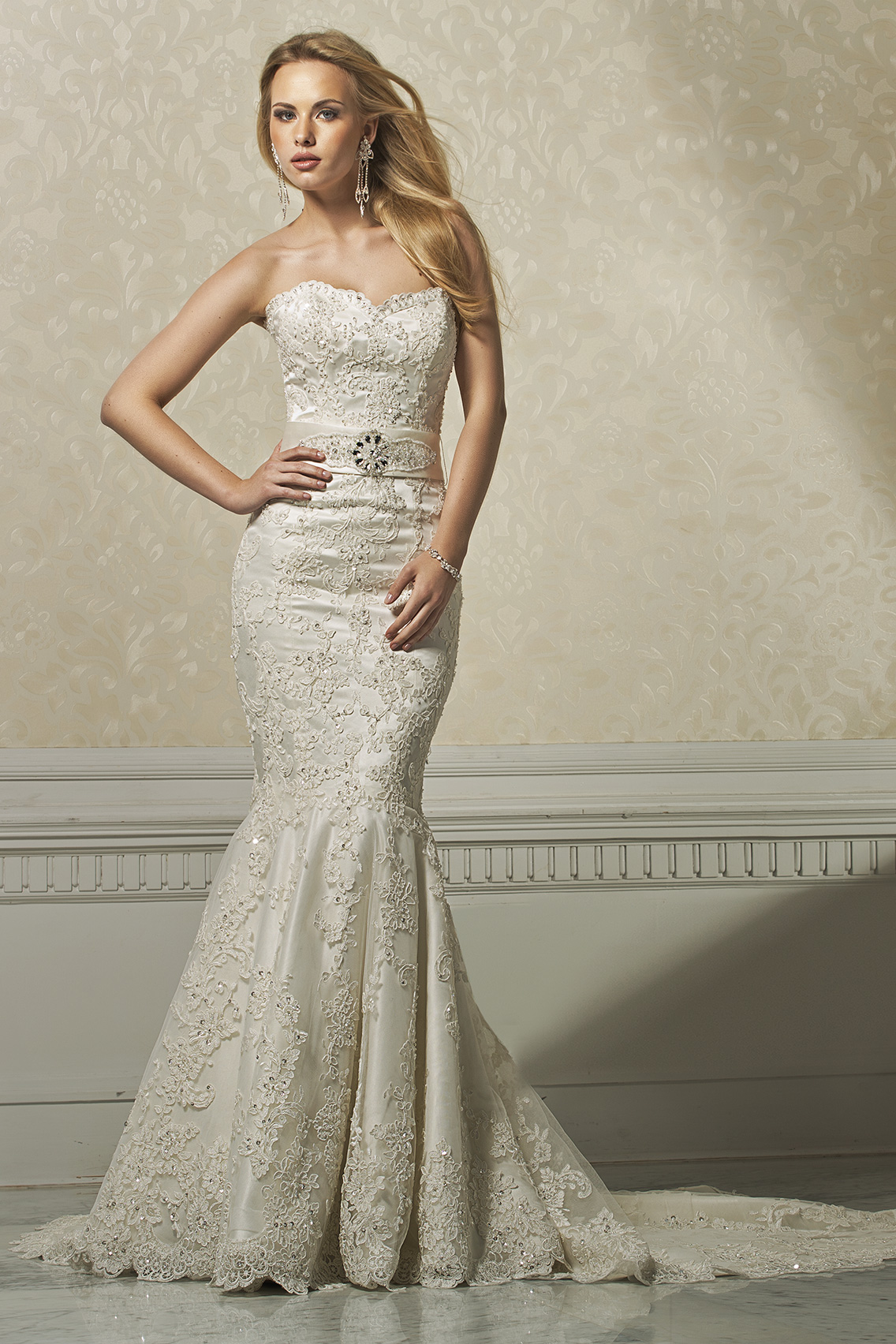 Sexy Trumpet/Mermaid Strapless Beading&Sequins Lace Sweep/Brush Train Wedding Dresses