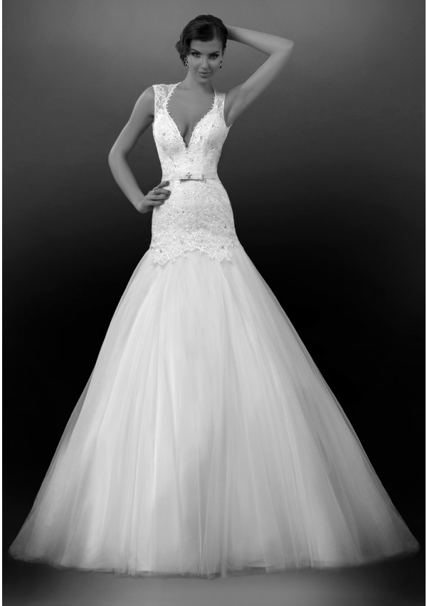 Charming A-line Straps Beading&Sequins Lace Sweep/Brush Train Tulle Wedding Dresses