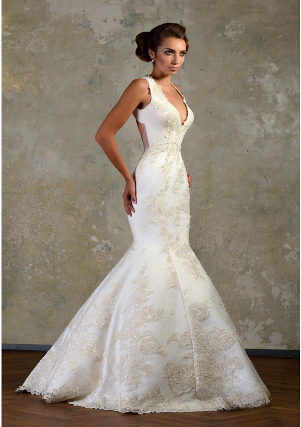 Sexy Trumpet/Mermaid Straps V-neck Lace Sweep/Brush Train Lace Satin Wedding Dresses